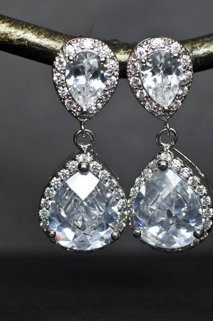 Bridal Earrings,Cubic Zirconia Bridal Earrings, Bridesmaid Earrings Large White Cubic Zirconia Tear Drops Stud Earrings