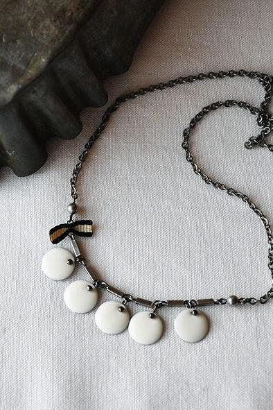 Necklace White Dome Charms and black and white bow - Bib necklace - women black and white