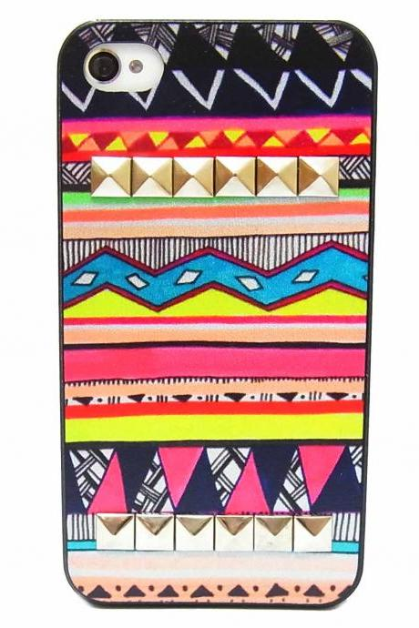Aztec Tribal Geometric Pattern Silver Pyramid Studded Hard Skin Case Cover For iPhone 4 4G 4S A2