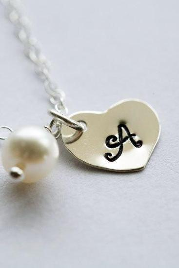 Heart initial Sterling silver Necklace,Small initial charm,Simple Daily Jewelry,Bridesmaid Gifts,Wedding Jewelry,Customize birthstone initi