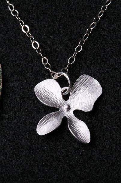 Single Textured Orchid Flower Necklace,Flower Jewelry,Flower Girl Gift,Wedding Jewelry,Bridesmaid gifts,Four petal flower