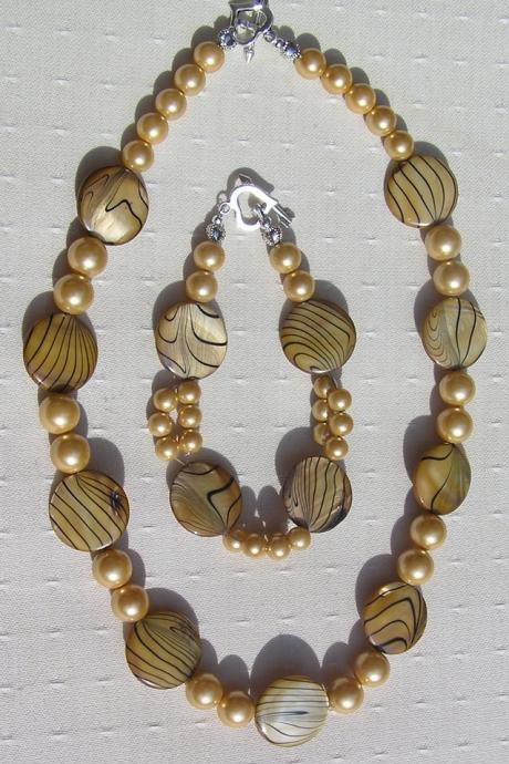 Necklace & Bracelet Set - Mother of Pearl and Shell Pearl - 'Golden Fantasia'