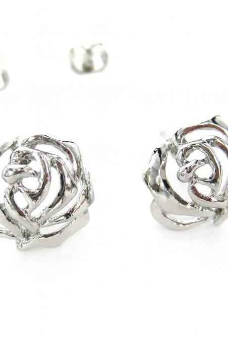 Cute Floral Cut Out Rose Shaped Stud Earrings in Silver