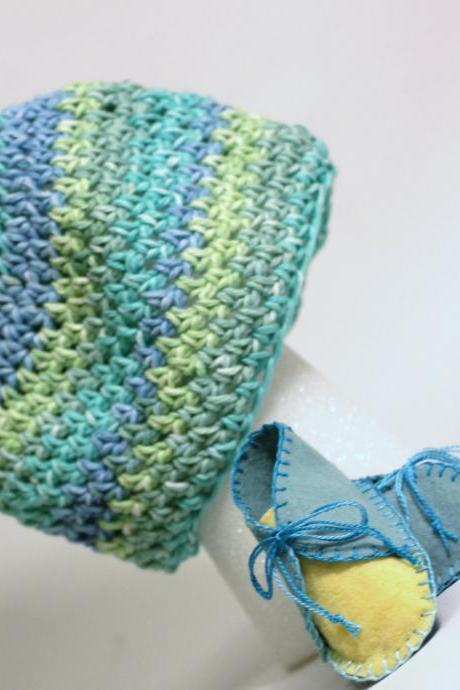Adorable Baby Booties and Beanie Set, set for boys, soft blues, greens, yellows