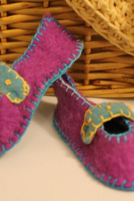 Cute Wool Felt Baby Booties, Eco Friendly, Photo Prop, Super Soft