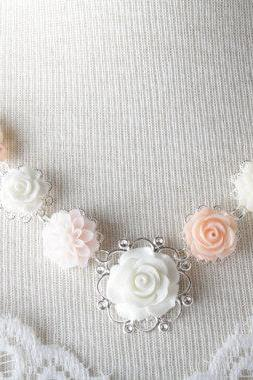 vintage style flower necklace - shabby chic - pearl and flower necklace - white - peach - blus pink - bridal necklace - peach wedding