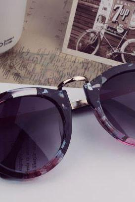 Trendy Floral Vintage Style Sunglasses