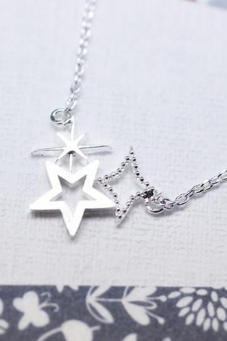 Cute Shining stars necklace in Silver