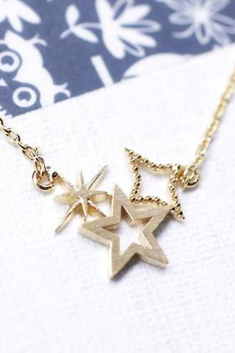 Cute Shining stars necklace in Gold