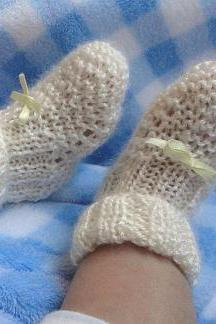 ADELE Booties- Super soft and delicate hand knitted booties for newborn. 6 colors available