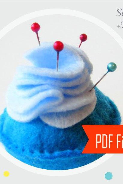 Pincushion Pattern - Felt Cupcake Pincushion Sewing Pattern , Cupcake Pattern MariaPalito A802