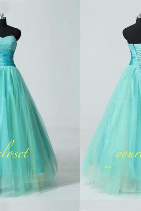 Sweetheart ball gown prom dress / evening dress