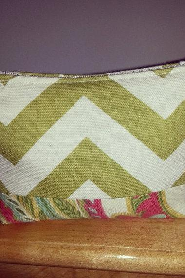 Small Green Chevron Make-up Pouch