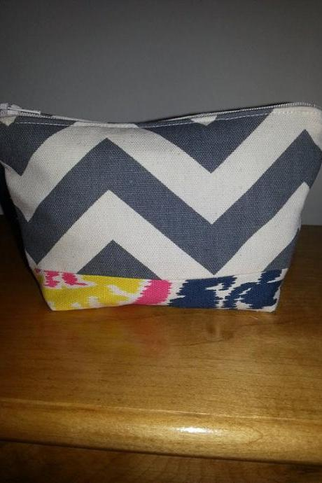 Medium Grey Chevron Make-up Pouch