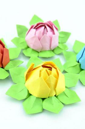Paper Lotus set of 20, Wedding Decor, Wedding Bouquet, Home Decorations, Event Decorations custom orders welcome --- 4 Colors can be chosen