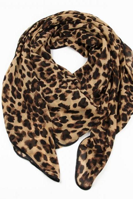 Fashion Brown Leopard Print Scarf