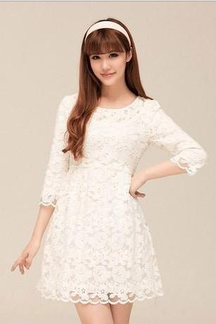 Fashion Women's White Lace Seven Point Sleeve Dress
