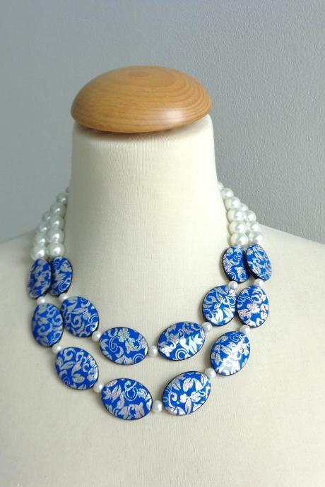 Statement pearl blue necklace