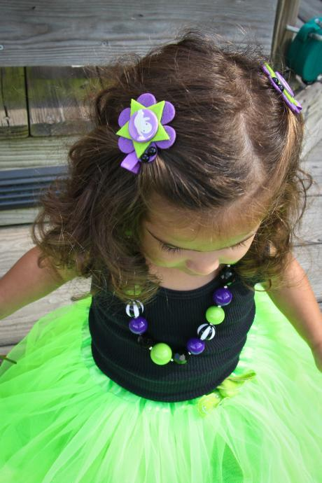 Black and Purple 'Toil and Trouble' Halloween Necklace & Hair Clip Set