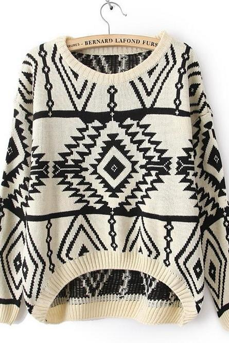 White Long and Short In Front Geometry Long Sleeve Sweater