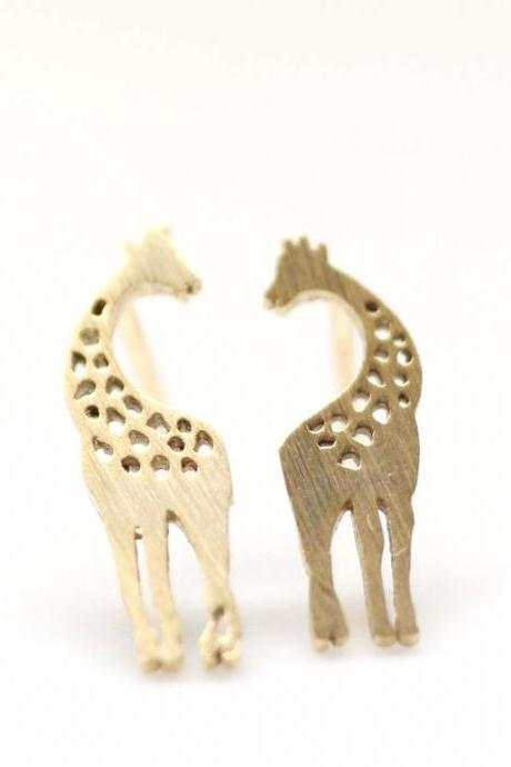 Loving Giraffe pendant earrings in gold