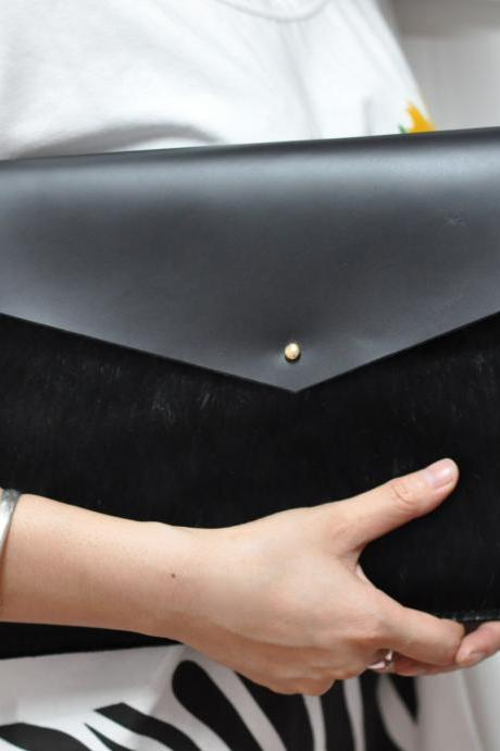 Leather MacBook Air 11' cover in Black colour