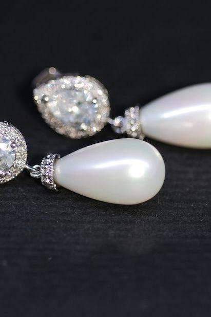 Wedding Earrings, Bridesmaid Earrings, Cubic Zirconia Teardrop Earring with White Briolette Pearl (E292)