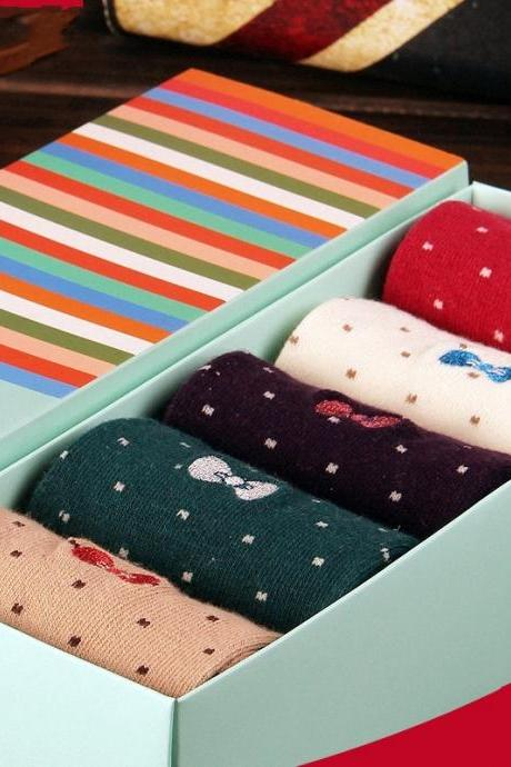 Set of 5 Polkadot and Bow Winter Socks in a Gift Box