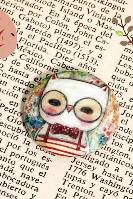 Leonardo The Wise Owl - Small Pin Back Button Badge by Danita Art (1 Inch)