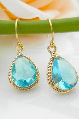 Aquamarine earring, wedding earring, Gorgeous Drop, stone in twisted bezel, light blue, Dangle Earrings, Bridesmaid gifts, B0083-G