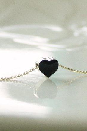 Black tiny heart simple necklace