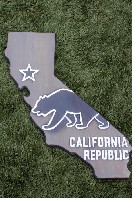 California Wood Sign – CA State flag with bear design and wood burn detail | California Republic (Dark gray)