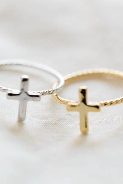 simple cross knuckle ring,above knuckle ring,first knuckle ring,knuckle ring,bridesmaid gift,bridesmaids ring,bridal ring,bridal gift,R077N