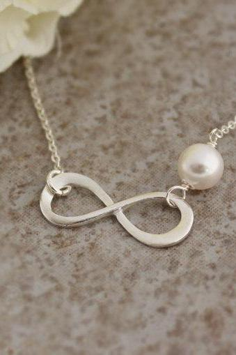 Sterling Silver Infinity necklace, simple Infinity necklace,Swarovski Pearl, Bridesmaid gift,wedding,Infinite Friendship,sterling silver 925