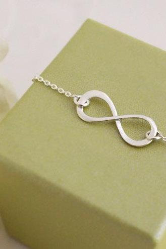 Sterling Silver Infinity bracelet, simple Infinity bracelet, Bridesmaid gift, wedding, Mother Bracelet, Infinite Friendship, love