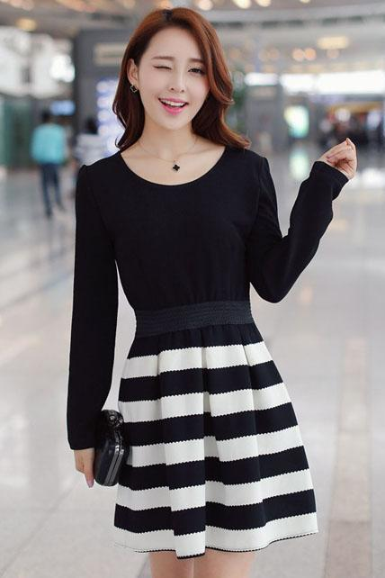 Vogue Patchwork Design Round Neck Striped Pattern Pleated Dress