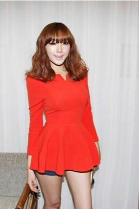 RED Fashion korea Puff Long sleeves Fitted Peplum Blouse Woman T-shirt Cotton Blends Tops Casual shirts