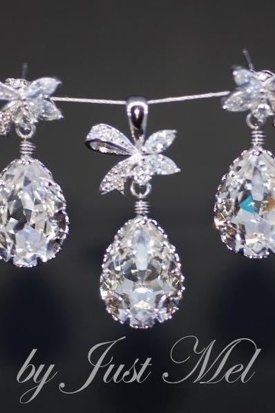 Cubic Zirconia Detailed Ribbon with Swarovski Clear Teardrop Earring and Pendent Set (S021) - E287 + P021