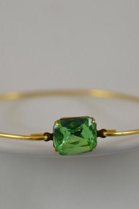 Peridot Green Vintage Glass Bangle Bracelet- Gold Bangle Bracelet- Stone Bangle- Bridesmaids Gifts- Casual Wear- Minimalist
