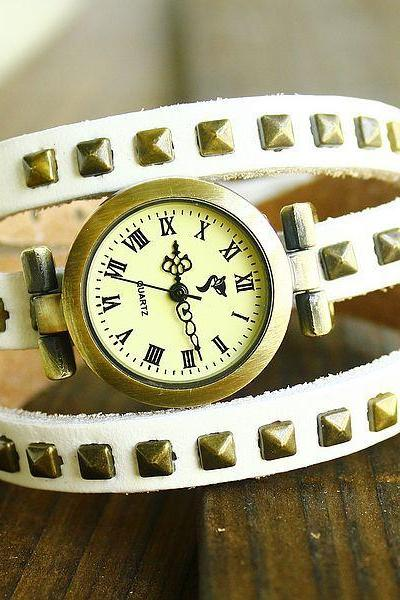 Rivet Embellished Multi Layer Leather Watch