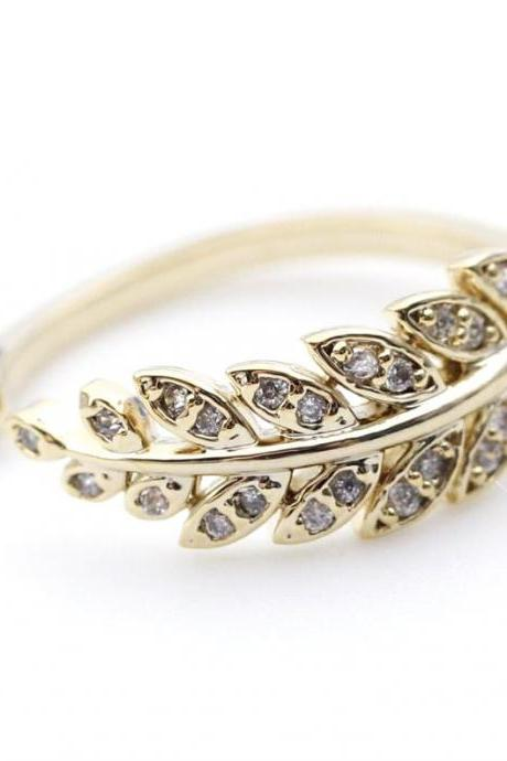 Bay Leaf Adjustable Ring detailed with CZ in Gold