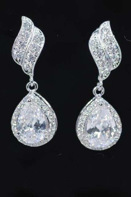 Cubic Zirconia Leaf Earring with Cubic Zirconia Teardrop (E368)