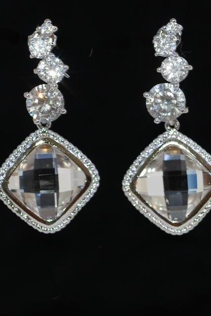 Cascading Round Cubic Zirconia Earring with Clear Glass Quartz (E468)