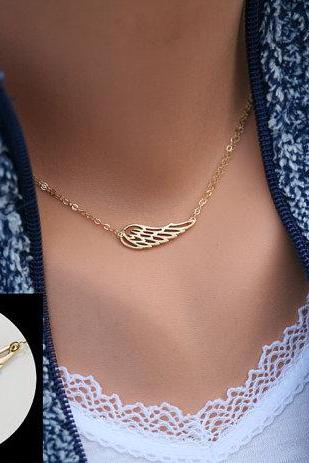 Angel Wing necklace,Gold Wing delicate necklace,Memory wing necklace,Bridesmaid gifts,Everyday jewelry,Wedding bridal Jewelry