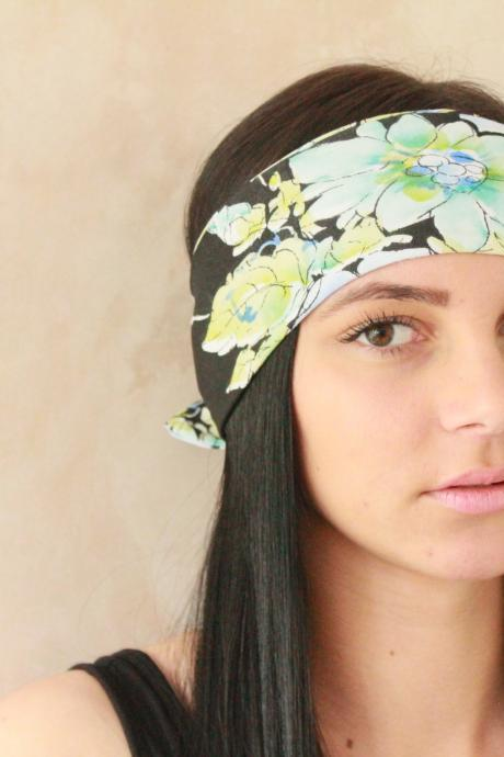 Headband, Workout headband, Sweatband, Yoga Headband, Tie up headband, Stretchy Headband, Headwrap, Dolly bow headband, Fabric headband, Bandana Exercise headband, Jersey headband, Pin up headband, Boho Headband, Hippie Headband, Elastic Headband - Blue Floral