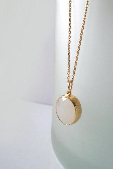 White Jade Necklace. Gold Necklace. White Stone Necklace. Oval Necklace. Boho Chic Necklace. Bohemian Necklace. Bridal, Bridesmaids Gift.