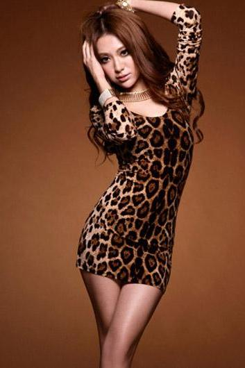 Skinny Round Neck Open Back Long Sleeve Leopard Lycra Dress Coffee