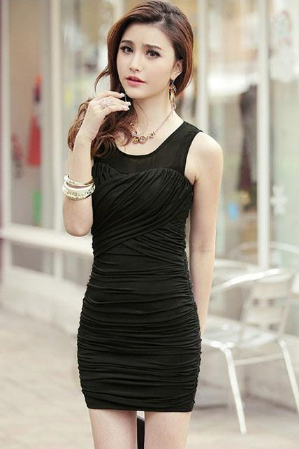Sheath Woman Ruched Dress with Round Neck - Black