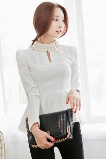 Chic White Fitted Rivets Blouse