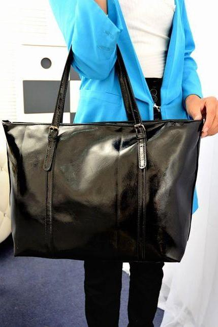 Chic Black Hand Bag